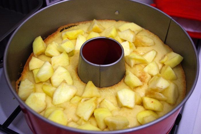 Couronne aux pommes et crumble d'amandes